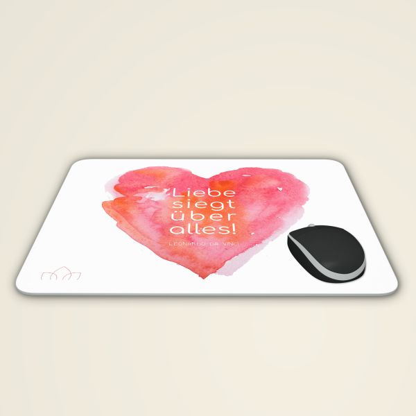 Mousepad 'Liebe siegt über alles'