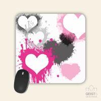 Bedrucktes Mousepad Farbklatsch Herzen Geist und Geschenk quadratische Form